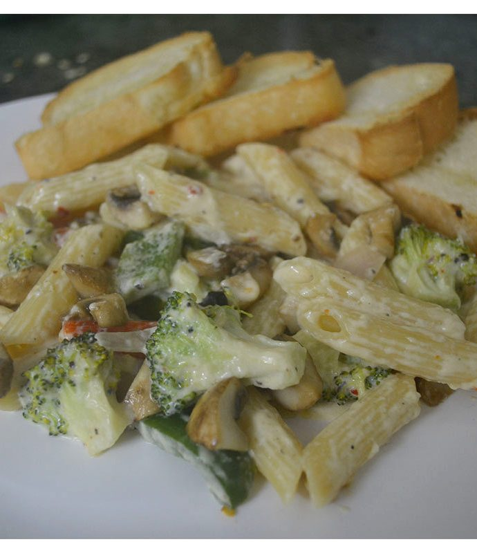 Pasta Alfredo with Broccoli and Bell Peppers… as you like it!