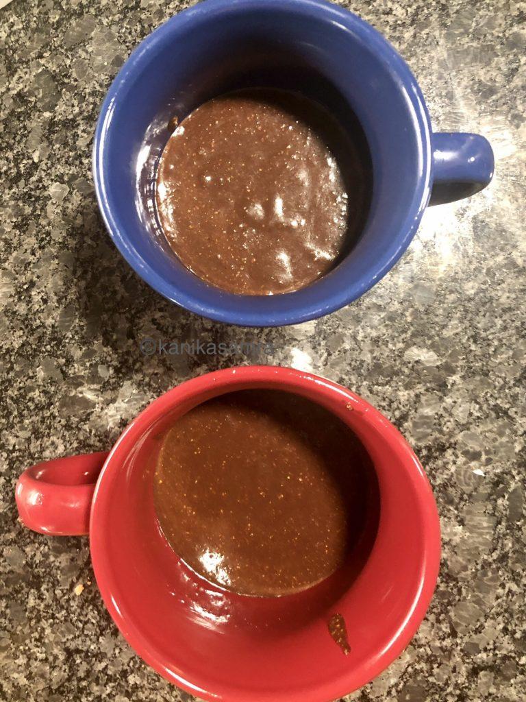 Cake mix in mugs